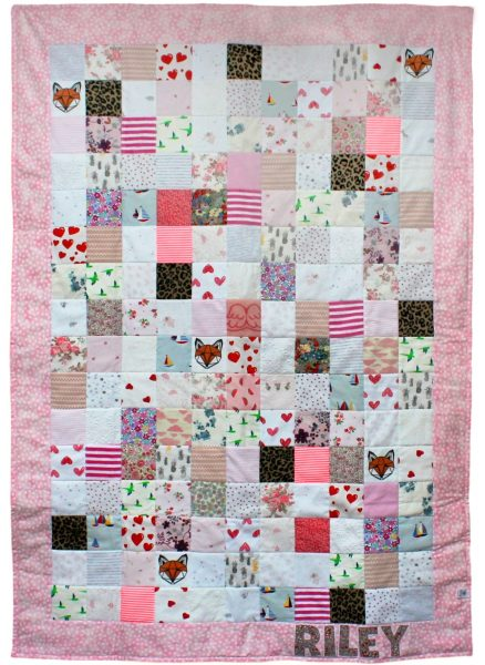 Small squares baby clothes quilt